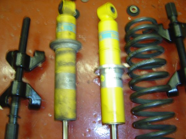 24. Spring Ready To Be Fitted To New Damper.JPG